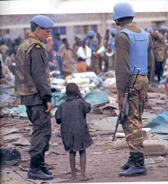 a description of the killings between the tutsis and hutu tribes in rwanda The 1994 genocide in rwanda led to about 800,000 deaths these were almost exclusively committed by the majority hutu group against the minority tutsi group.