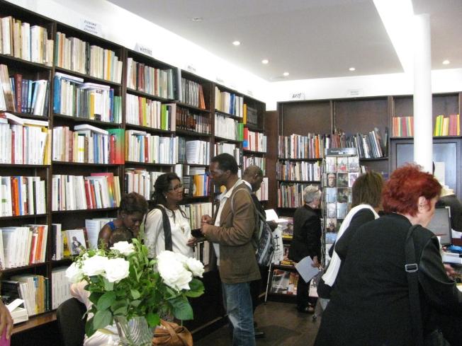Esta fue de las únicas fotos que hice a la librería, lamentablemente sin Mme Diop.